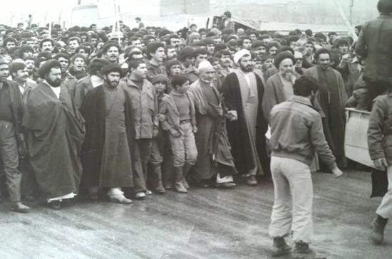 مروری بر زندگی امام خمینی از تولد تا مبارزات ایشان////منتشر نشود