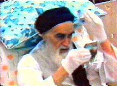 14 خرداد ماه؛ سالروز عروج ملکوتی امام خمینی (ره) / امام خمینی در چه سنی از دنیا رفت؟ +تصاویر