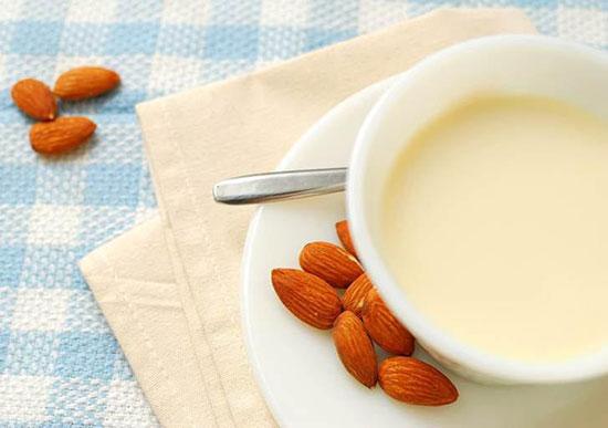 طرز تهیه شیر برنج برای کودکان برای شش ماه