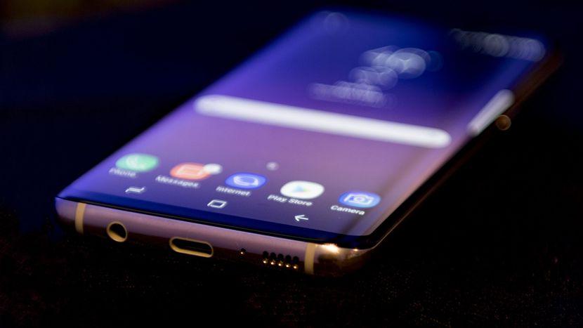 Galaxy S8 به چه قیمتی رسید؟ / مظنه قیمت رهن و اجاره آپارتمان های نقلی تهران/