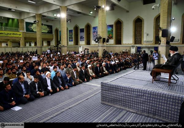 سخنان جنجالی دانشجویان در مقابل رهبر معظم انقلاب پیرامون حادثه تروریستی تهران + فیلم