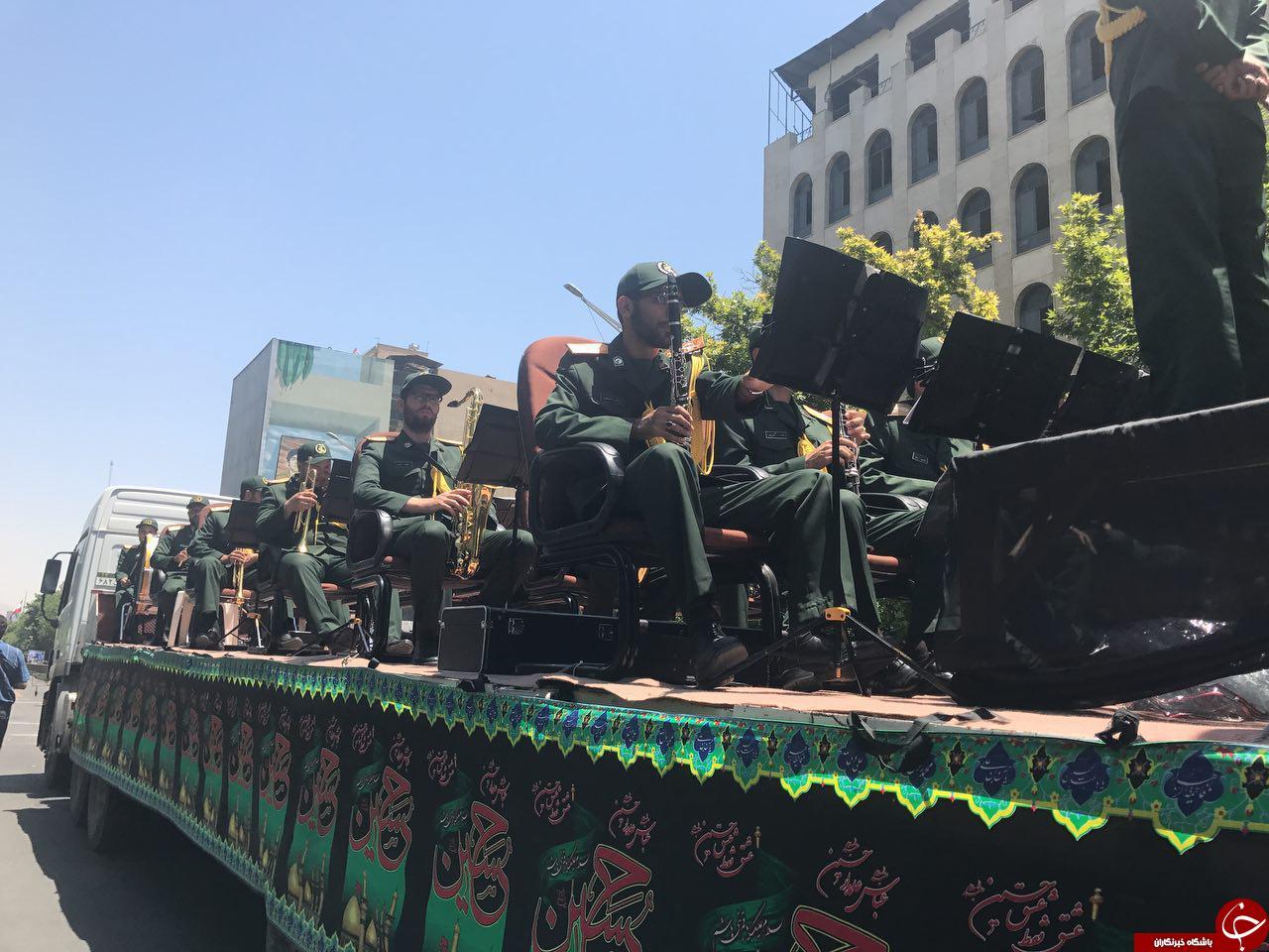 پیکر شهدای حوادث تروریستی تهران واردخیابان انقلاب شد/حضور باشکوه مردم در مراسم+تصاویر