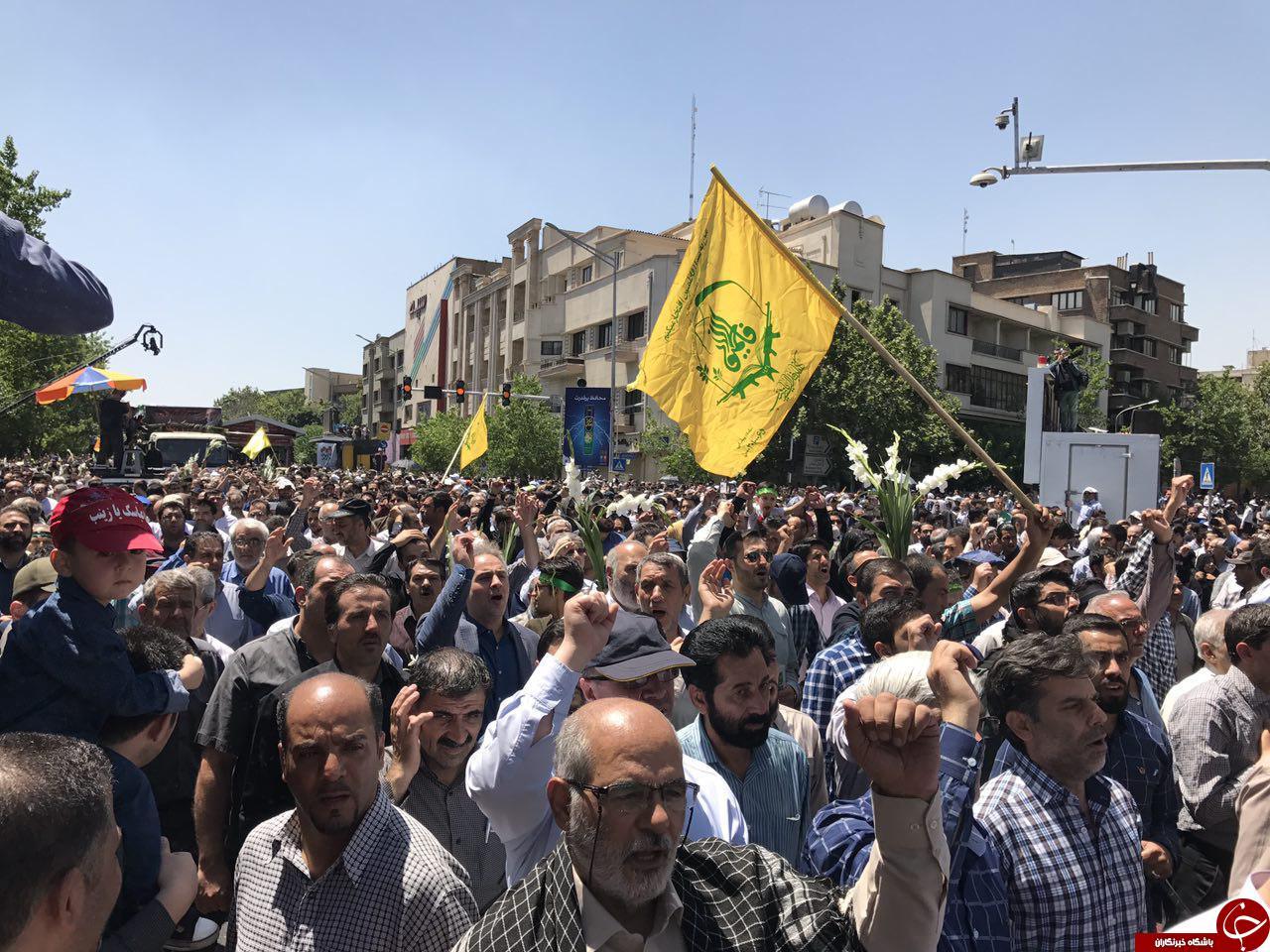 مراسم تشییع پیکر شهدای حوادث تروریستی تهران آغاز شد/مردم شعار مرگ بر آمریکا سر میدهند+تصاویر