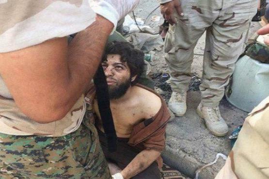 بازداشت خطرناکترین تکتیرانداز داعش + عکس