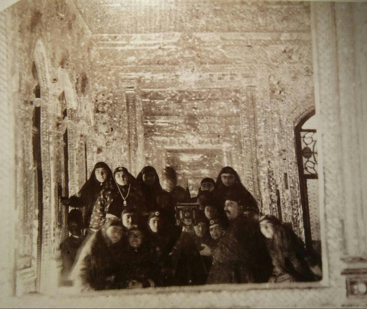 اولین سلفی ایران در کاخ گلستان