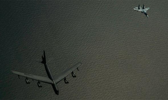 تعقیب جنگندههای آمریکایی از سوی سوخو-27 روسیه بر فراز دریای بالتیک+تصاویر
