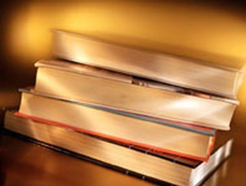 ژست فرهنگی در حوزه کتاب وجود دارد/ غیر حرفهایها از حوزه کتاب بیرون بروند
