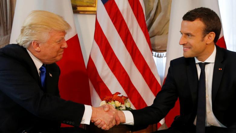 دستدادن غیرعادی ترامپ باز هم به سوژه داغ رسانههاتبدیل شد+تصاویر