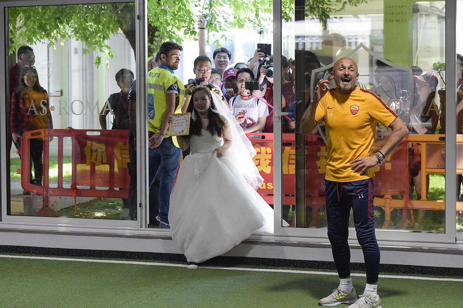 خواستگاری با لباس عروس از ستاره سرخپوشان