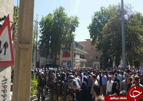 بلاتکلیفی سپرده گذاران موسسه اعتباری توسعه پس از یک هفته/ تجمع مردم برای خارج کردن سپردهها+تصاویر