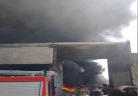 باشگاه خبرنگاران -آتشسوزی گسترده انبار لاستیک در میدان شوش + فیلم