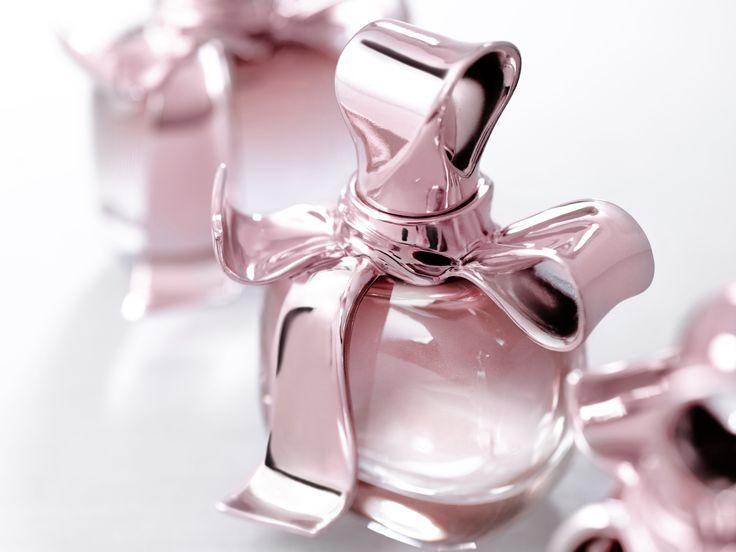 آیا عطر زدن روزه را باطل میکند؟
