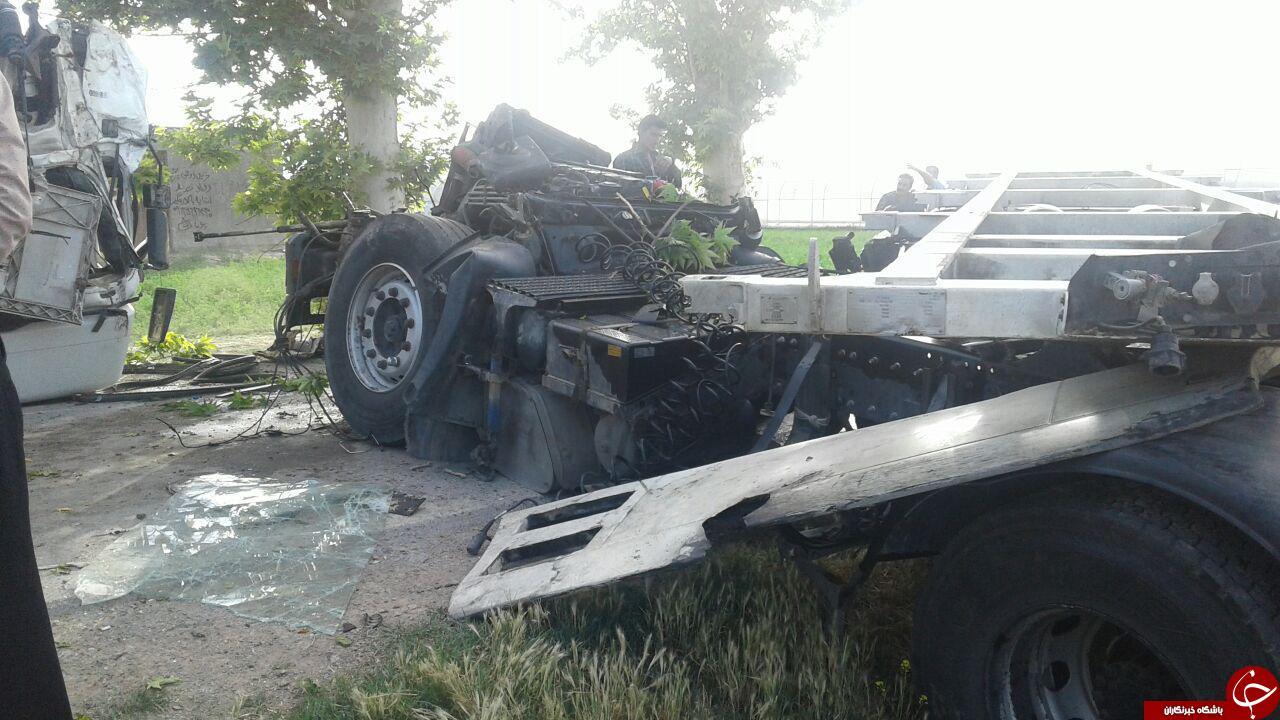 6294283 502 - تصادف شدید تریلی در روستای قلعه میر + تصاویر