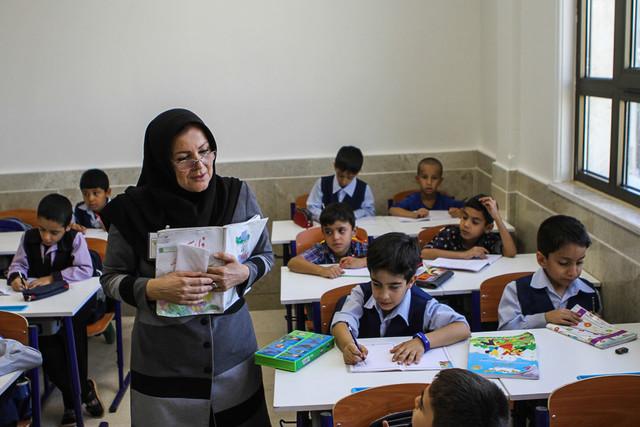 جدیدترین آمار از وضعیت معلمان شهر تهران/ بحران کمبود نیروی مرد در مدارس همچنان ادامه دارد