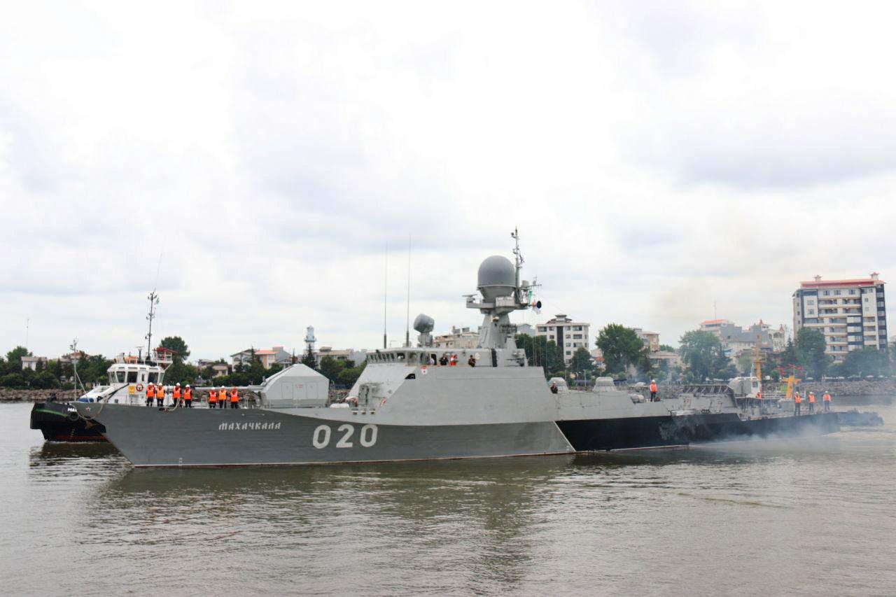 ناوگروه نیروی دریایی روسیه در منطقه چهارم نداجا پهلوگرفت