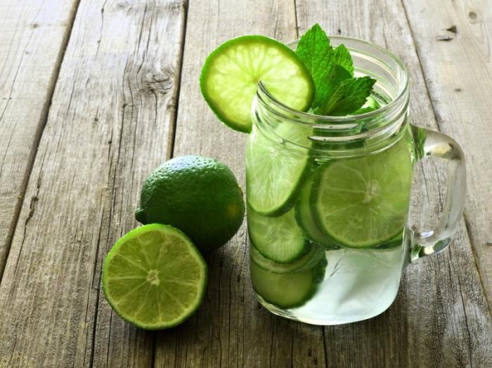 نوشیدنی که مثل کولر بدن شما را خنک می کند/ نوشیدنی تابستانی برای پیشگیری از گرمازدگی/ نوشیدنی که باآن گرفتار گرمازدگی نمی شوید