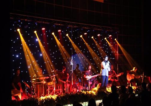 کنسرت زندوکیلی در زادگاه پدریاش