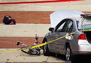 رانندگی جنون آمیز در شهر به زیر گرفتن یک زن و دو بچه منجر شد + فیلم