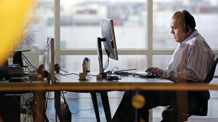 مایکروسافت برای کمک به نابینایان، اپلیکیشن هوش مصنوعی منتشر کرد