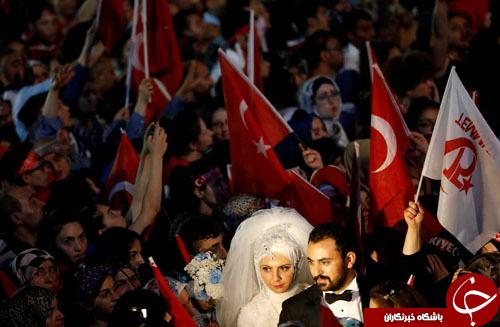 از عروس و داماد مقابل پارلمان ترکیه تا قهرمانی راننده تیم مرسدس در مسابقات فرمول یک