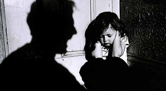باشگاه خبرنگاران - 6 کودک در کمتر از 2 سال قربانی شیاطین شدند/ کودکآزاری؛ زخم پنهانی که با قتل آتنا سرباز کرد+ تصاویر