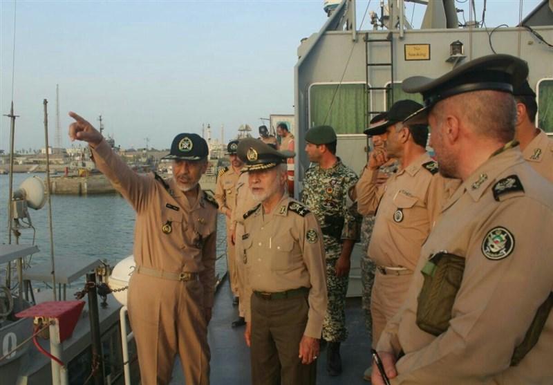 فرمانده کل ارتش از پایگاه دریایی در نقطه صفر مرزی ایران و پاکستان بازدید کرد