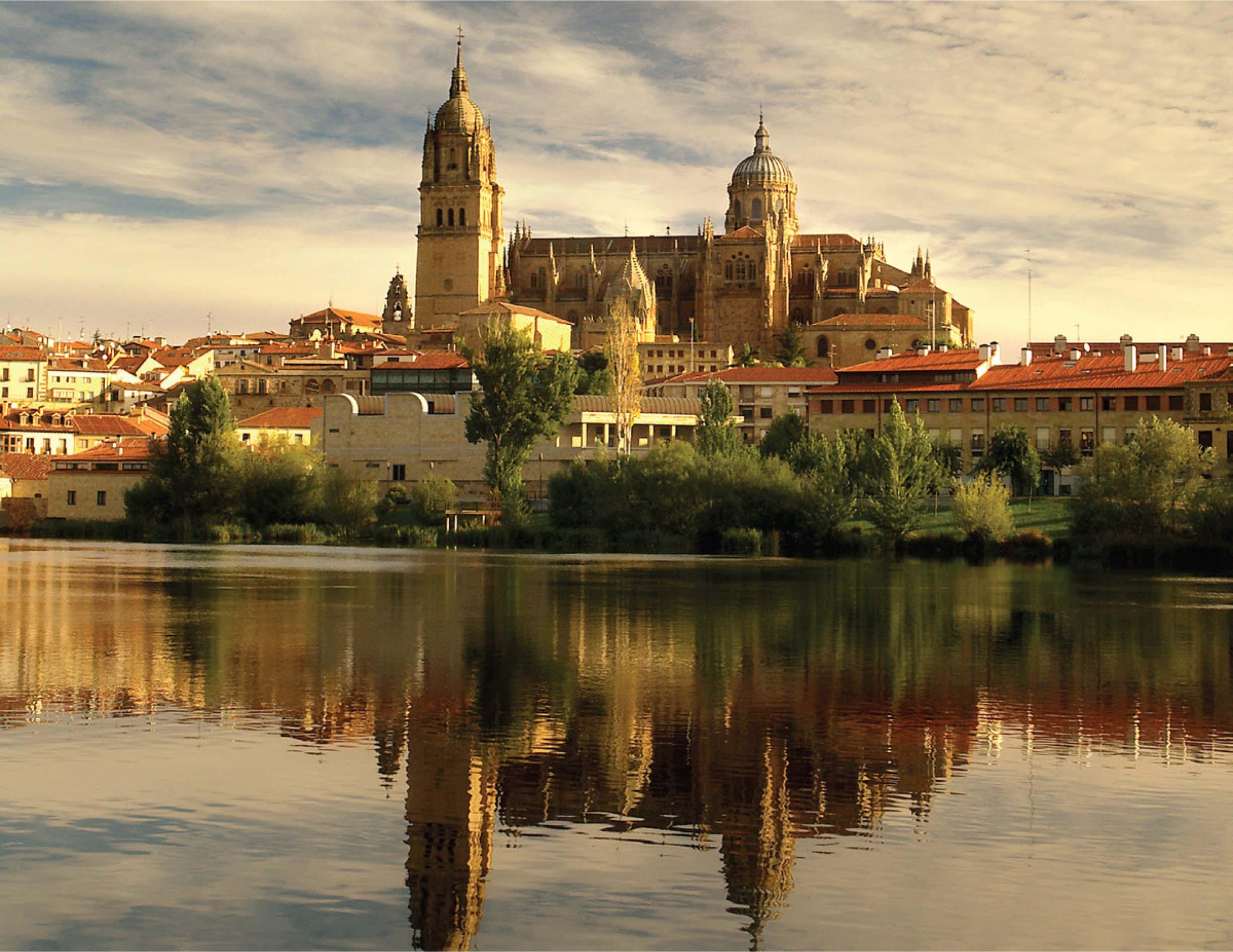 نمایی بسیار زیبا از بافت شهر بارسلون در اسپانیا
