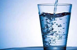 هرگز همراه «میوه» آب ننوشید