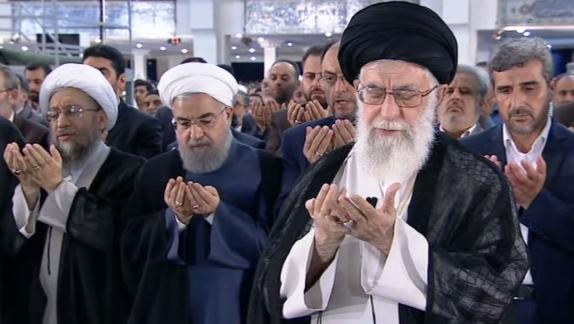 باشگاه خبرنگاران - رهبر معظم انقلاب اسلامی نماز عید سعید فطر را اقامه کردند