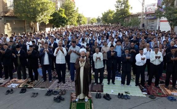 باشگاه خبرنگاران -برگزاری نماز عید فطر در چهاربرج + فیلم