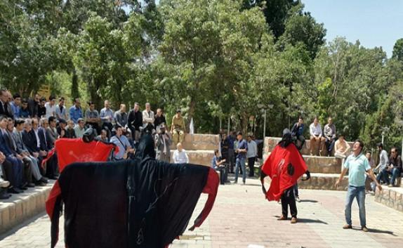باشگاه خبرنگاران -اجرای تئاتر خیابانی پیشانگی ژین در مهاباد