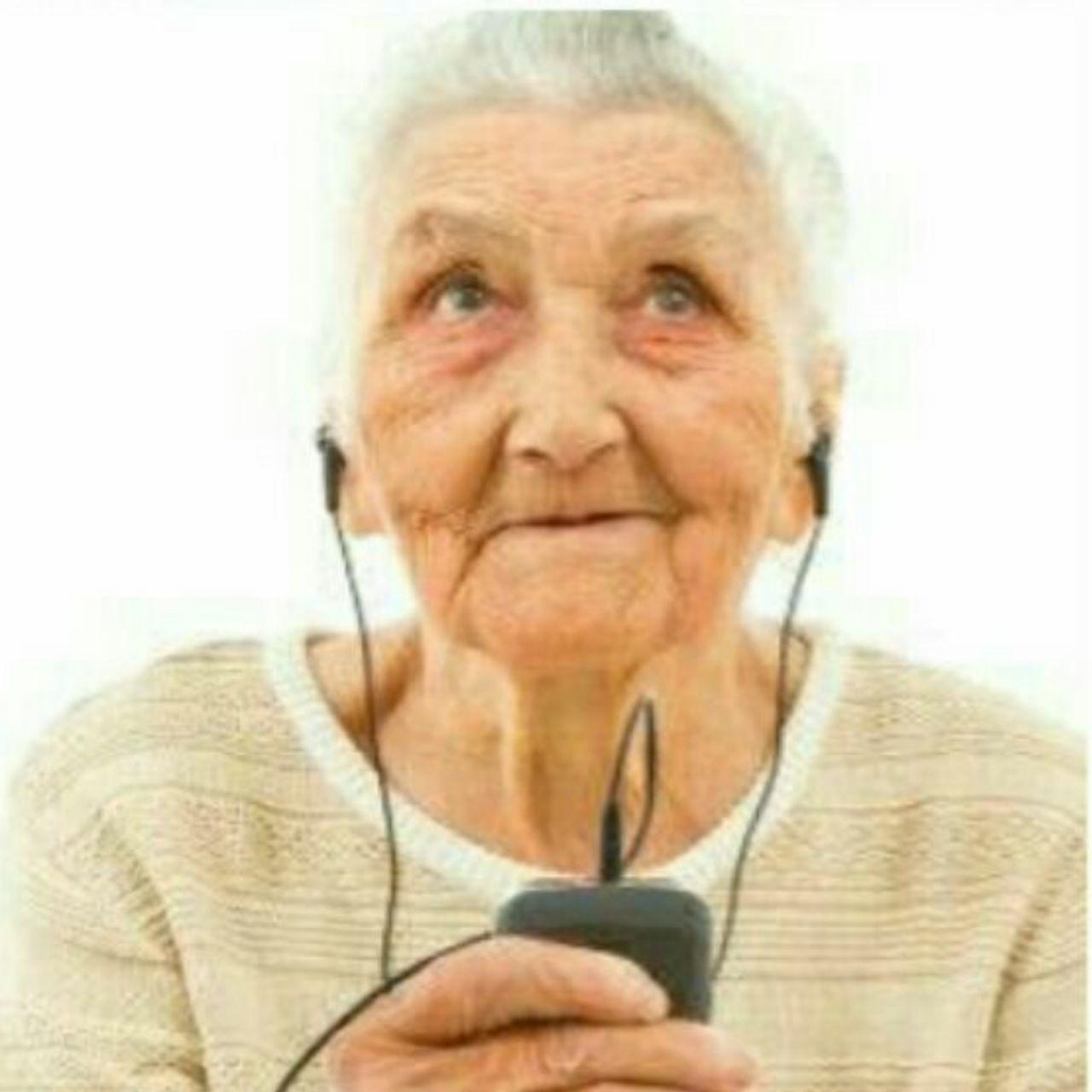 گوش دادن به موسیقی ابتلا به آلزایمر را کاهش میدهد
