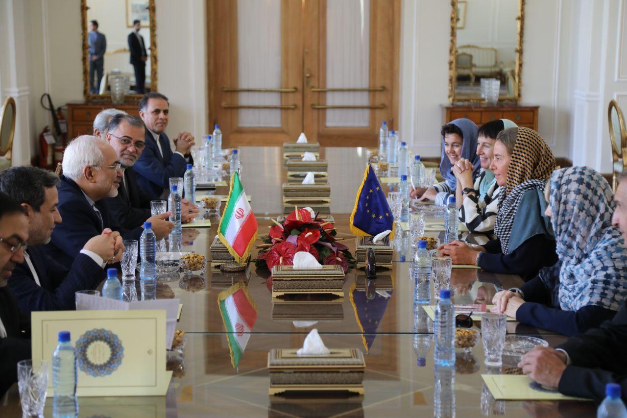 ظریف: ترامپ تلاش میکند به هزینه ایران برجام را از بین ببرد/ موگرینی:اتحادیه اروپا قاطعانه از برجام حمایت میکند