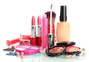 خطرات مرگباری که پشت ظاهر فریبنده محصولات آرایشی پنهان شده است/سرطان با مصرف این لوازم در یک قدمی شما است