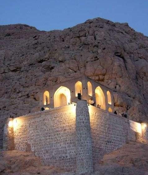 تخت درگاه قلی بیگ بنای منحصر بفرد در کرمان