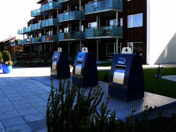 سطلهای زباله هوشمندی که به ازای هر بطری بلیط سینما میدهد.