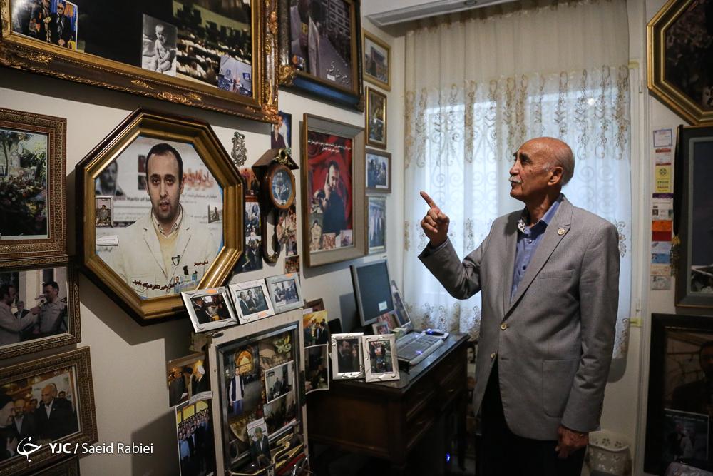 افشار عکس شهادت را کنار سردار صفوی گرفت/ پدر و مادری که برای رسیدن به فرزند خبرنگارشان پر می کشد