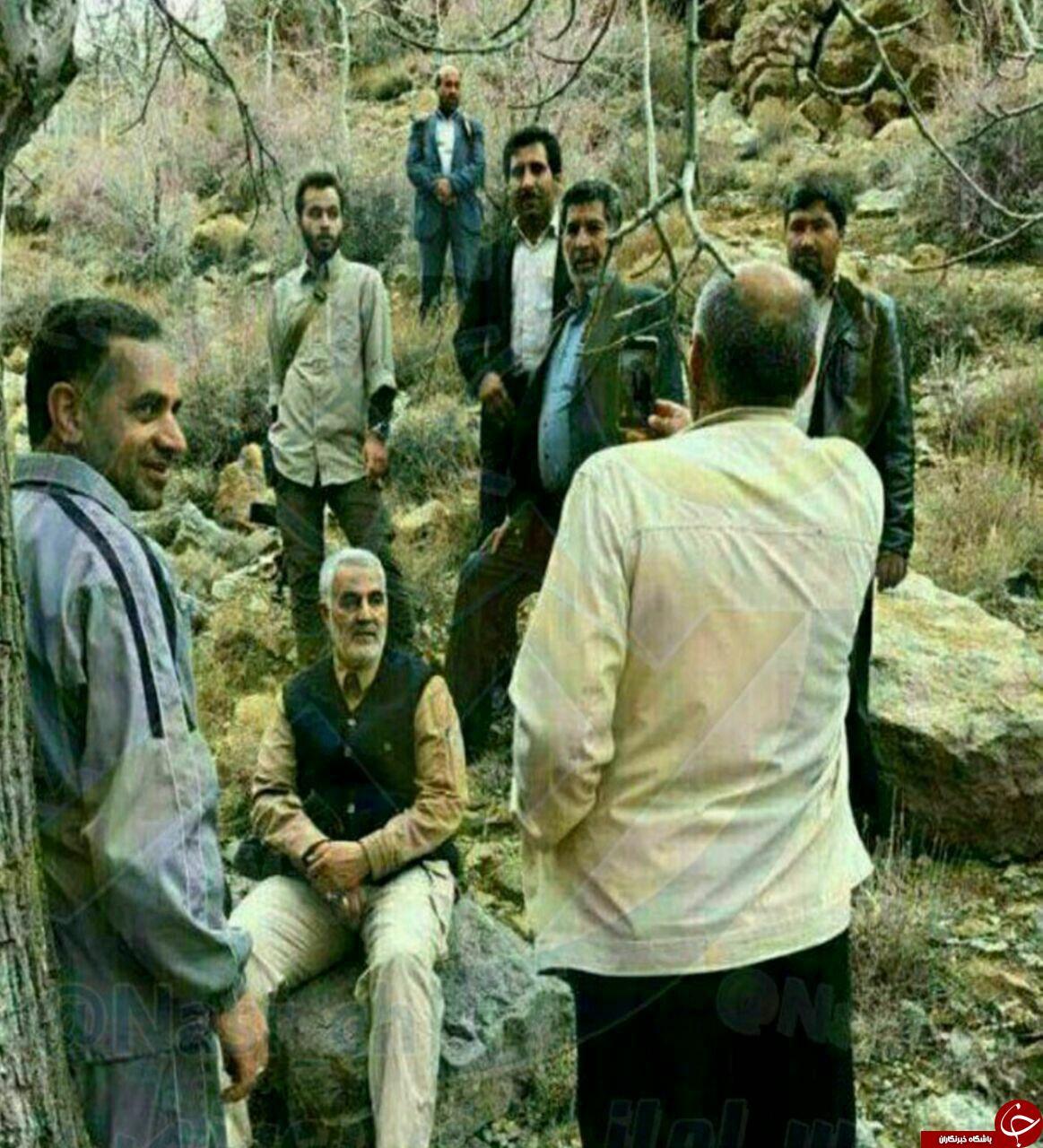 عکس دیده نشده سردار سلیمانی در حال کوهنوردی +عکس