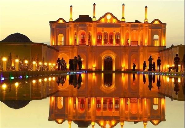 فتح آبادباغ رویایی در کرمان
