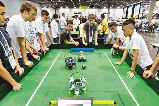 رقابت در سرزمین رباتها