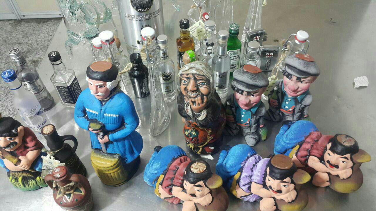 کشف مشروبات الکلی جاسازی شده در داخل عروسک