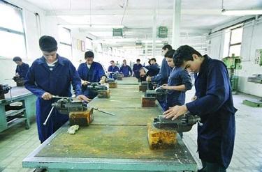 ورود به بازار کار ۹۰ درصد ازدانش اموزان فنی حرفه ای و کاردانش