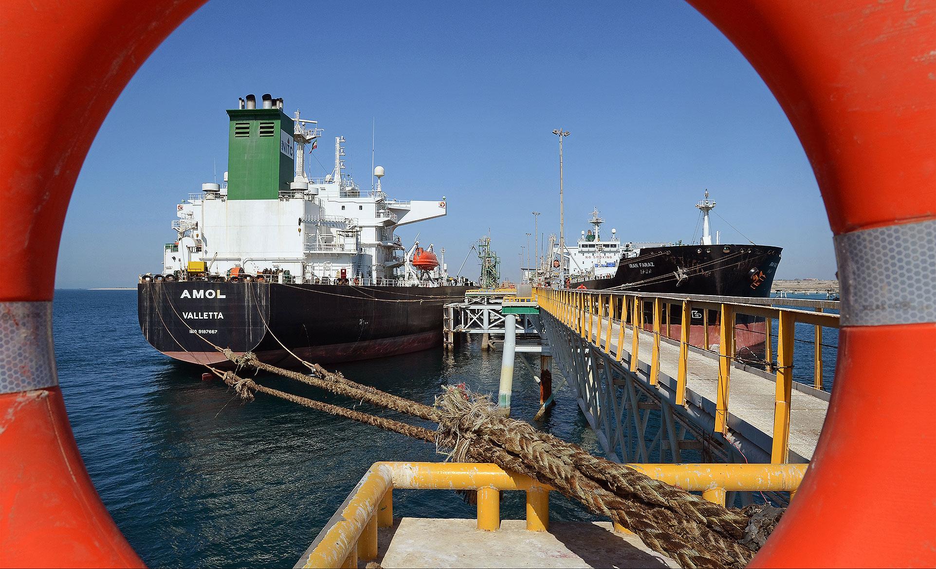 ایران گذرگاه نفتی میشود / مقصد اولین سوآپ نفتی از ایران بر مدار خلیج فارس چرخید
