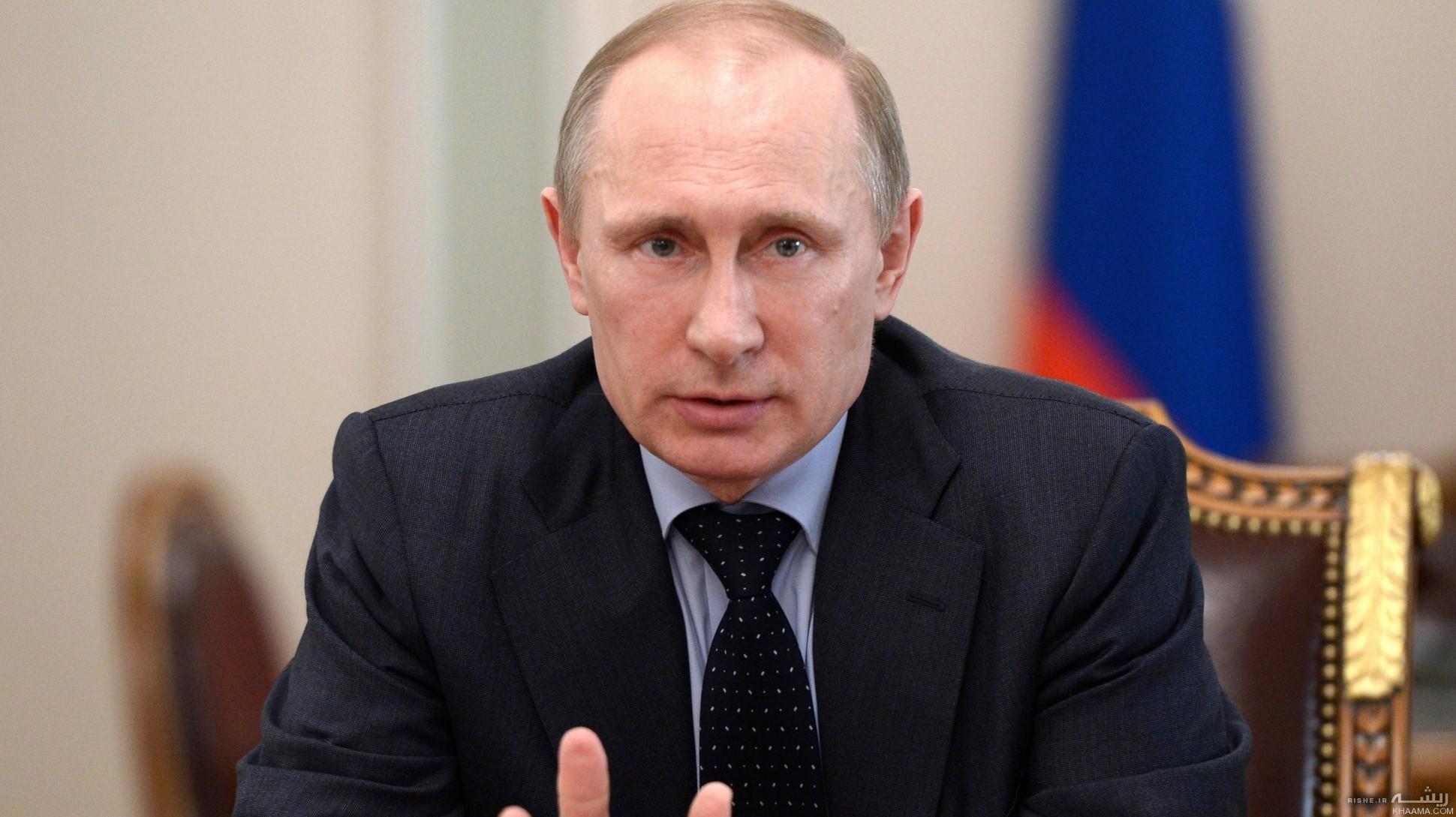 قهرمان بوکس جهان در آغوش پوتین