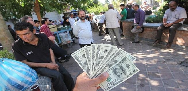 ریشه های ضعیف ارز در بانکهای کشور/ دو نرخی بودن ارز مثل موریانه به جان ارزش پول ملی افتاده است