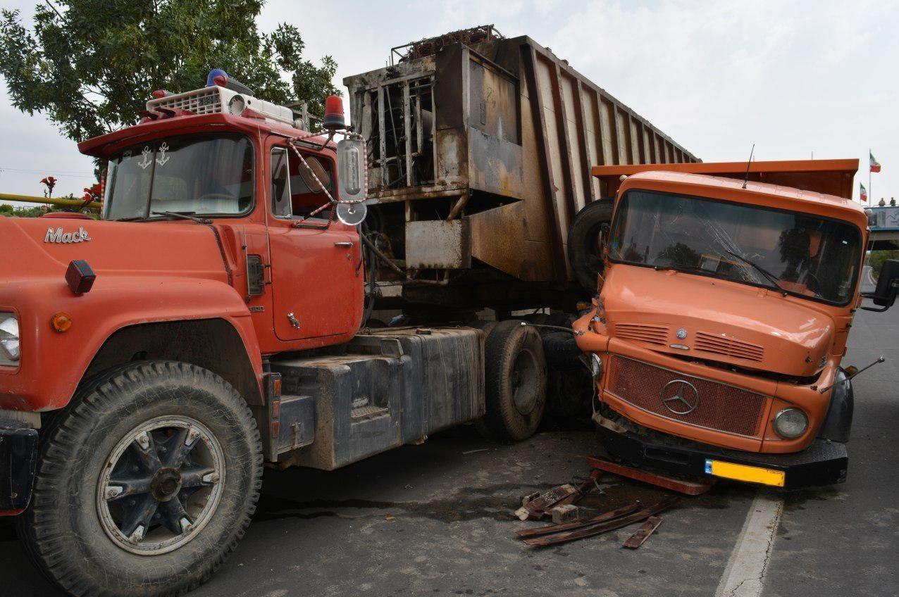 تصادف زنجیرهای خودروها در زیرگذر فرودگاه تبریز