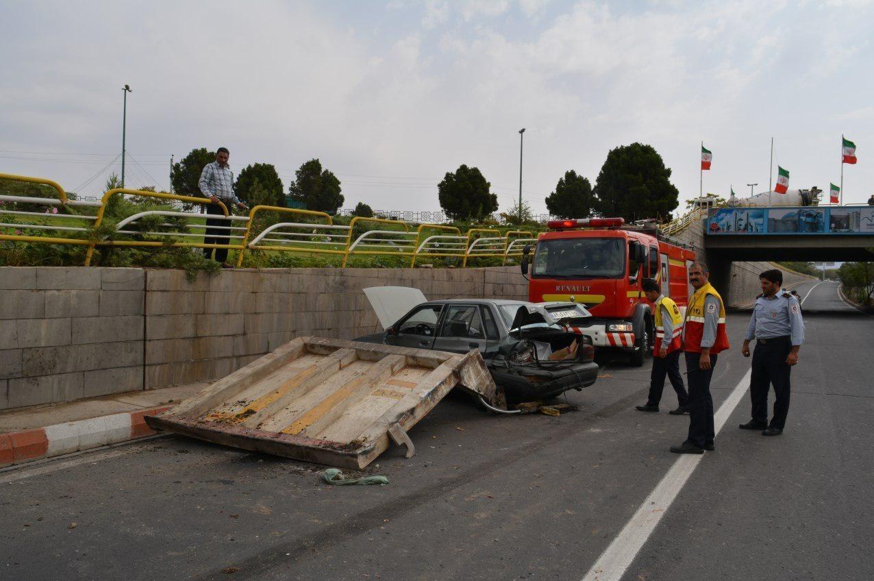 تصادف زنجیرهای خودروها در زیرگذر فرودگاه تبریز+تصاویر