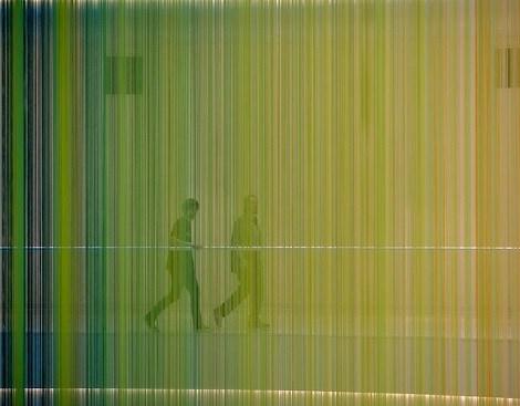 رنگین کمانی از ۱۳۰۰۰ نخ در بزرگترین مرکز خرید آمریکا+تصاویر