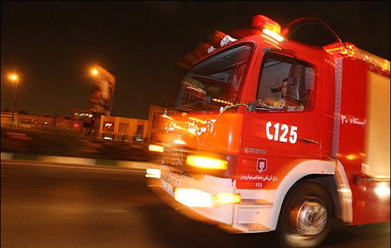 عکس 6647030_254 آتش به جان آشپزخانه پاساژ متروکه خیابان حافظ افتاد