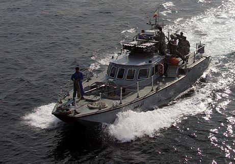 شلیک هشدار ناو آمریکایی به سمت قایق ایرانی در خلیجفارس!